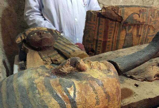 【埃及考古重大发现】已发现八具木乃伊、上千个乌沙比人偶!