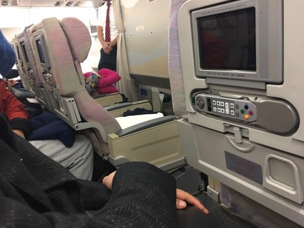 我们搭乘的是埃及休闲航空的飞机,飞机上的空姐空少都是埃及
