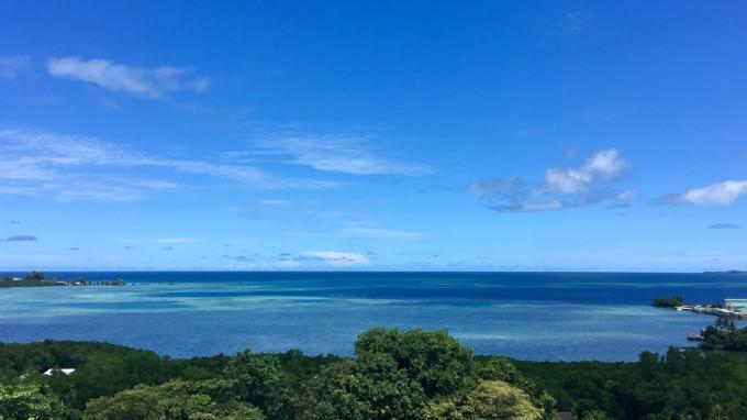 英文是palasia,上面這個是酒店海景房的照片,無沙灘.
