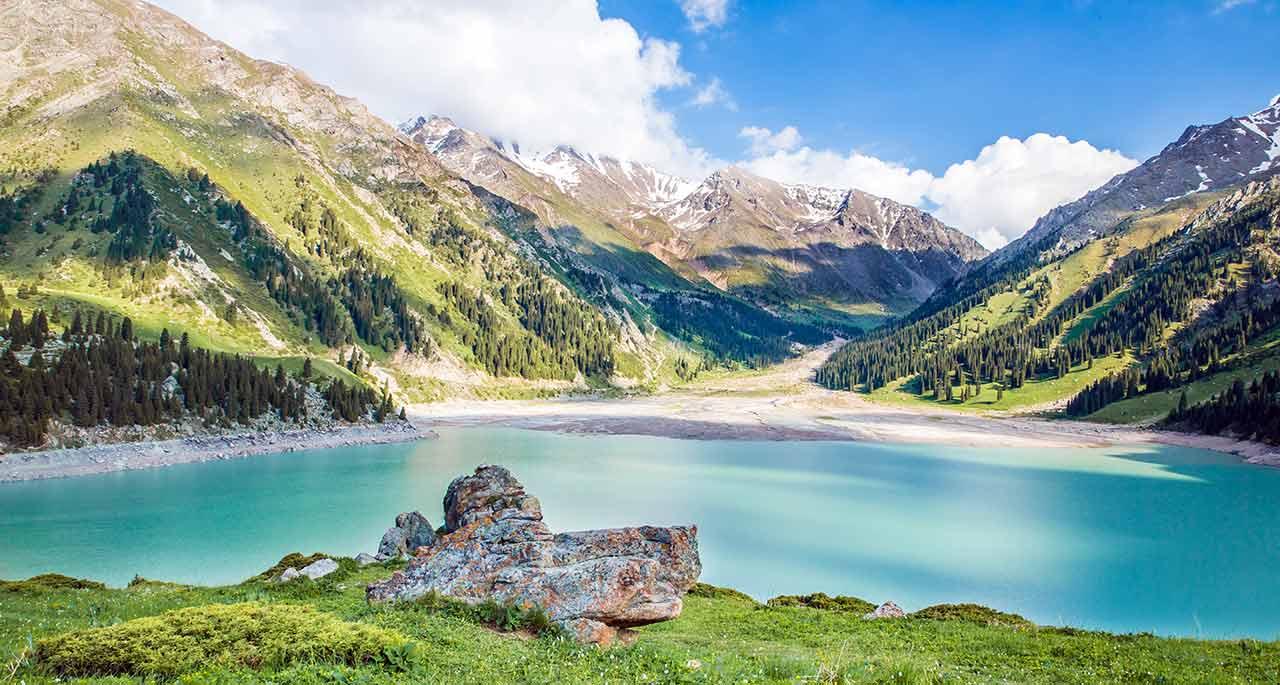 哈萨克斯坦风景-9月份中亚旅游好去处,9月份中亚旅游去哪里好图片