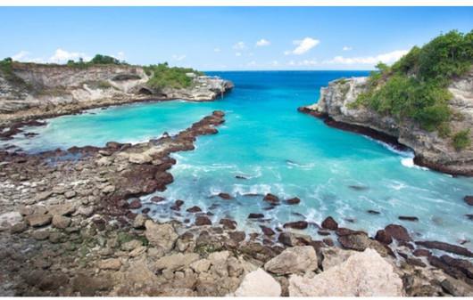参观岛民养殖的海藻田,体验正宗的巴厘岛式生活