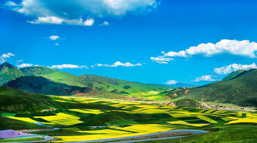 早乘车前往【卓尔山风景区】(游览时间2小时),远观牛心