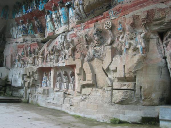 华严三圣   其实,大足石刻宝顶山石窟并没有真正完工,因为蒙古人打图片