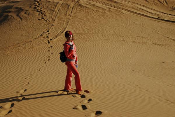 额济纳旗 游记  附近腾格里沙漠边上一个叫天鹅湖的景区看了一下.
