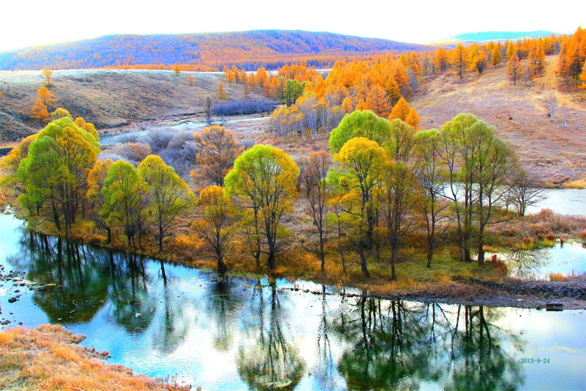 花红,树绿,天蓝,水清,甚至看得见终年不化的积雪白冰.每年五月.