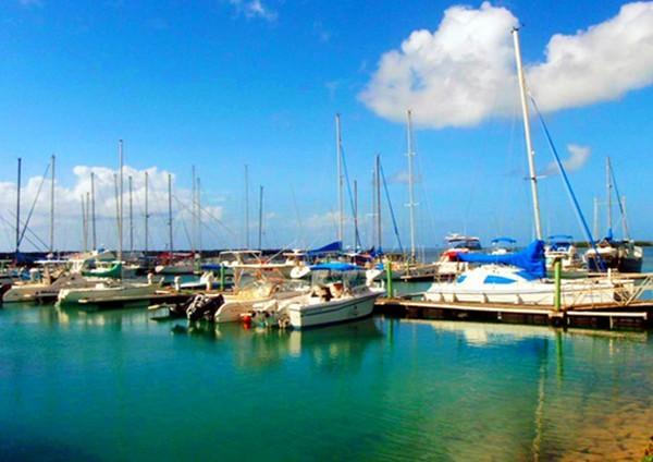 密克罗尼西亚的岛屿又多又小,约有2000多个,但总面积只有2700多平方