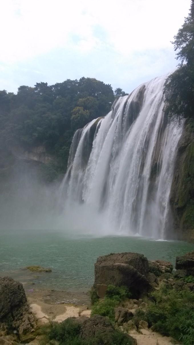 壁纸 风景 旅游 瀑布 山水 桌面 680_1206 竖版 竖屏 手机