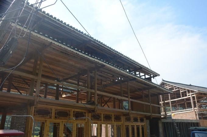 在建的木房子