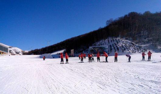 大明山风景区滑雪图片