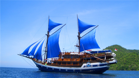 海盗船狂欢之旅 巴厘岛海盗船游轮日落黄昏游(棒火舞表演+自助晚餐