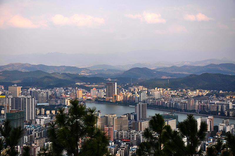广东韶关举办首届科技创新投资高峰会促经济转型