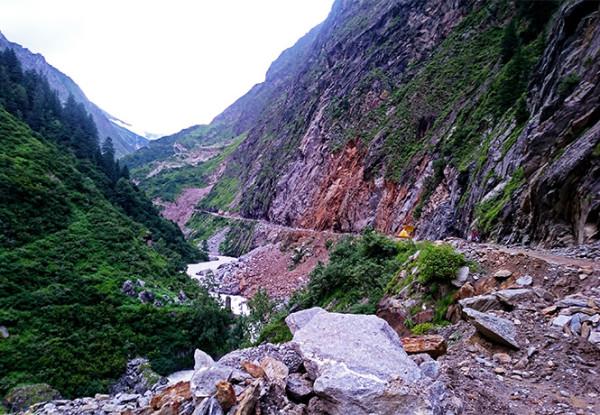 喜马拉雅山脉的神庙之旅