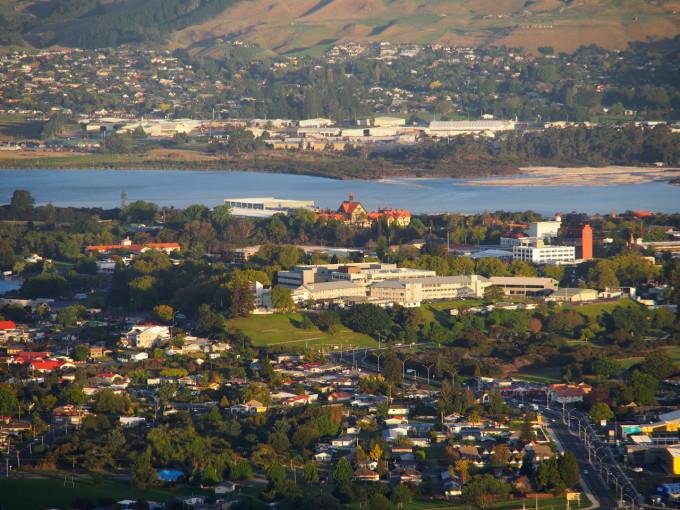 大洋洲 新西兰 丰盛湾大区 罗托鲁瓦市 - 西部落叶 - 《西部落叶》· 余文博客